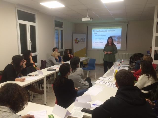 CURSO -TALLER SOBRE APRENDIZAJE Y SERVICIO EN SALESIANOS
